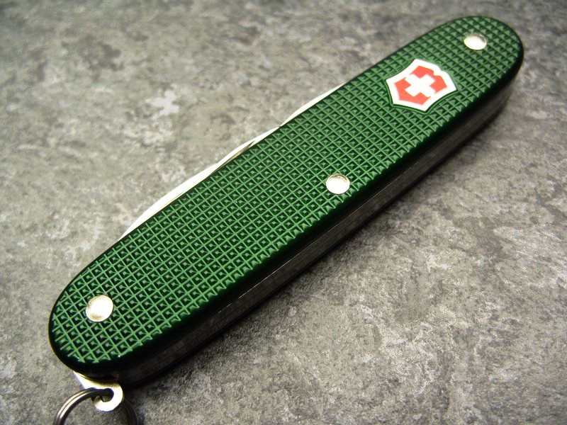 Victorinox Pioneer green Alox limited edition 2013 | Chris Custom Works