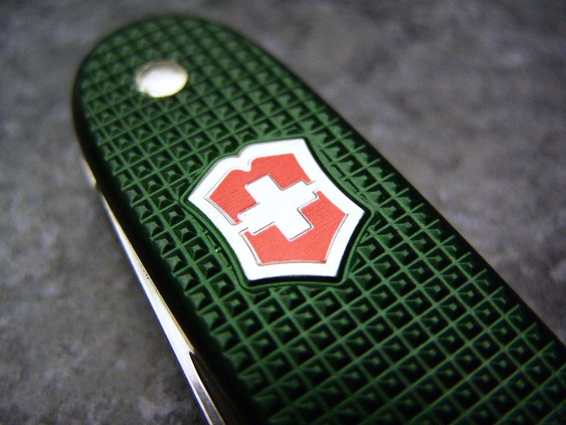 Victorinox Pioneer green Alox limited edition 2013